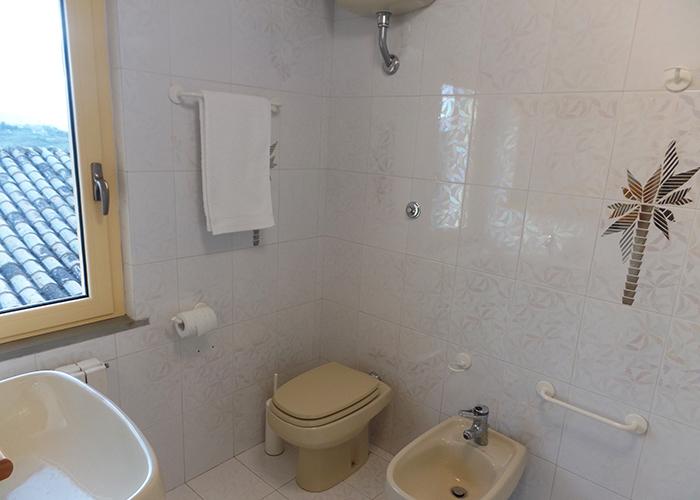 bathroom casa amrita Italy